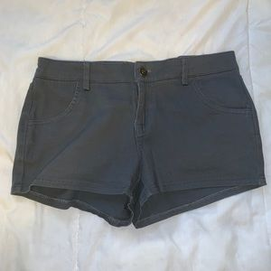 Zenana outfitter gray shorts